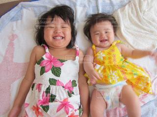 子供,女の子,笑顔,姉妹,オムツ,おむつ