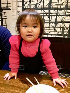 食事,屋内,ピンク,子供,女の子,人物,人,コーディネート,ピンク色