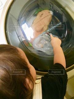 子供,女の子,ぬいぐるみ,人,未来,洗濯,人間,洗う,回る
