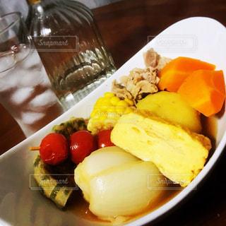 食事,室内,トマト,野菜,卵焼き,コーン,食品,人参,肉,洋風,夕食,おでん,玉ねぎ,いも
