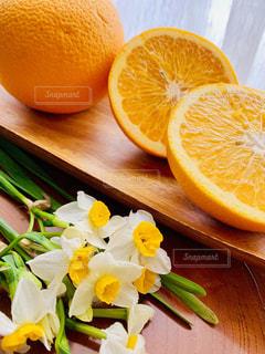 花,白,オレンジ,テーブル,果物,紅,水仙,はっさく,紅はっさく