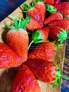 食べ物,いちご,テーブル,果物,食品,甘い,赤い,複数,酸っぱい