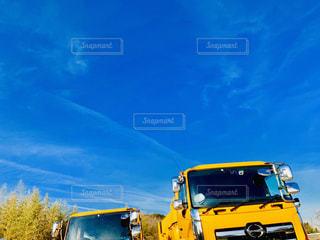 空,雲,青,車,黄色,竹,複数,特殊車両