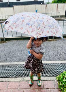 雨,傘,道路,子供,女の子,人,長靴,お気に入り,人間