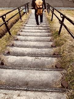 階段は気をつけてね‼️の写真・画像素材[2747744]