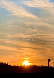 自然,風景,空,屋外,太陽,雲,夕暮れ,夕方,山,光,街灯,沈む