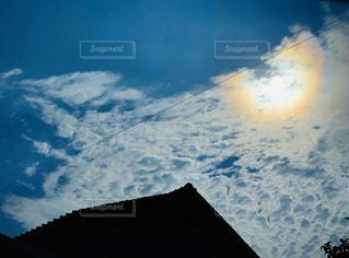 空,太陽,雲,光,家,電線,屋根,欠ける