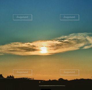 風景,空,屋外,太陽,雲,夕暮れ,山,光,大地