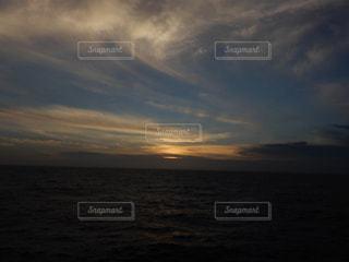 夕日,雲,夕焼け,船,夕陽,小笠原諸島,父島,太平洋,おがさわら丸