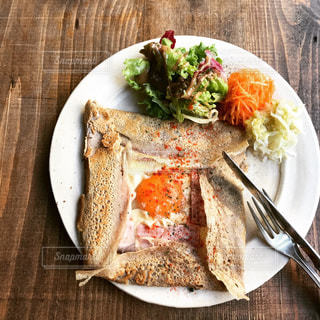 ガレットで朝食の写真・画像素材[1175261]