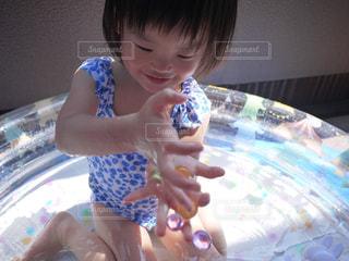 プール,子供,女の子,笑顔,こども,2歳,girl,夏バテ,熱中症,熱中症対策,ベランダプール