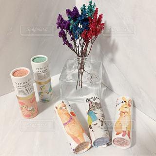 花,ドライフラワー,瓶,コスメ,化粧品,大理石,置き画,練り香水,パフュームスティック