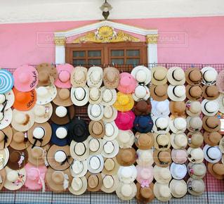 プーケットオールドタウンで見つけた帽子屋さんの写真・画像素材[1448434]