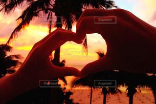 海,夕日,夕焼け,手,海岸,沖縄,ハート,人,夕陽,夕焼