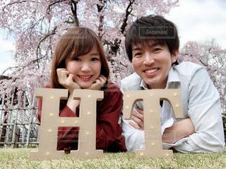 春,桜,芝生,花見,満開,夫婦,枝垂れ桜,Spring,スプリング