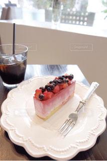 ベリームースのケーキの写真・画像素材[2028761]