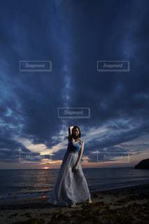 海と夕日の写真・画像素材[2399215]