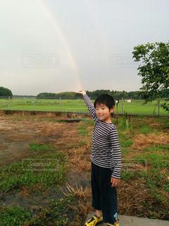 虹,雨上がり,梅雨,男の子,奇跡,魔法