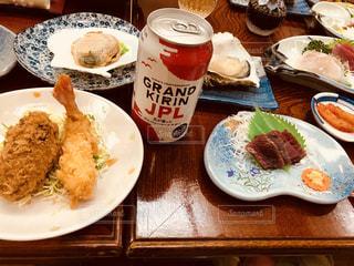 全勝館の豪華な夕食、宮城の海の幸に乾杯の写真・画像素材[1329424]