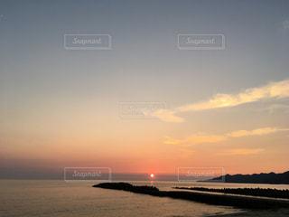 海に沈む夕日の写真・画像素材[1310813]