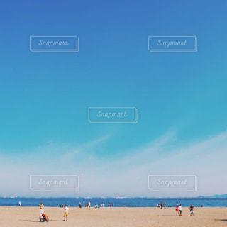 ビーチの人々 のグループの写真・画像素材[1387514]