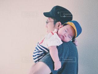 風景,屋外,親子,帽子,人物,人,赤ちゃん,少年,父,子,父の日,日中