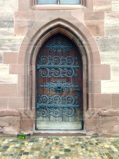 スイスのドアの写真・画像素材[1196077]