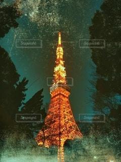 バック グラウンドで東京タワーと水の大きな体の写真・画像素材[1233257]