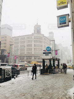 風景,雪,白,足跡,人物,道,人,銀座,歩道,地面,ホワイト