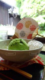 京都で食べた抹茶アイスの写真・画像素材[1196477]