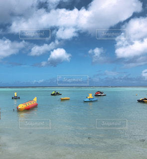 グアムの海とボートの写真・画像素材[1216922]