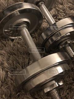 屋内,ふわふわ,鉄,グレー,金属,トレーニング,カーペット,ダイエット,筋肉,シルバー,放置,重い,ダンベル,力