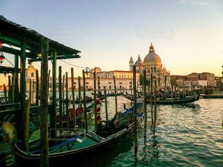 ヴェネツィア 夕暮れのグランカナルの写真・画像素材[1217386]