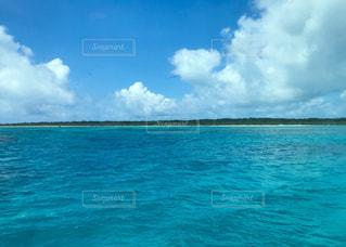 竹富島と空と海の写真・画像素材[1217404]