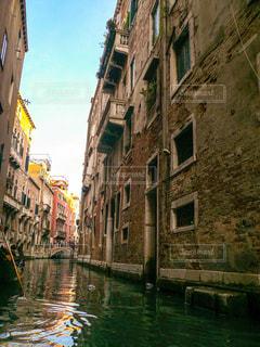 ヴェネツィア 小運河の写真・画像素材[1217432]