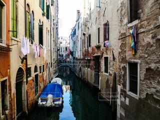 ヴェネツィア 小運河の生活の写真・画像素材[1248198]