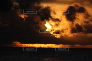 海に沈む夕日の写真・画像素材[1268761]