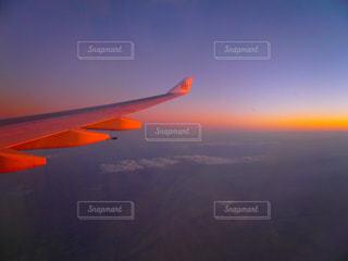 空,夕日,夕焼け,飛行機,旅行,翼,サンセット,海外旅行