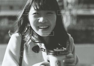 コーヒーを飲む女性の写真・画像素材[2895157]