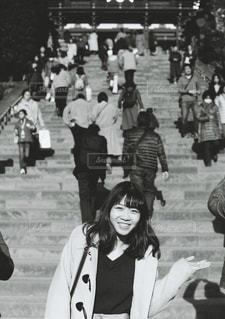 通りを歩いている人々のグループの写真・画像素材[2923265]