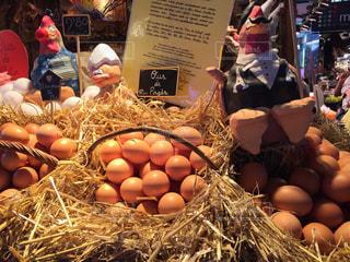 可愛い卵屋さんの写真・画像素材[2129446]