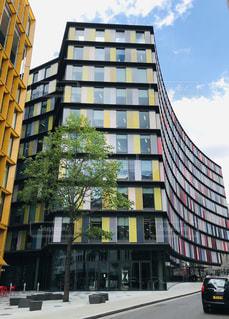 ロンドンにあるカラフルな建物の写真・画像素材[2147654]