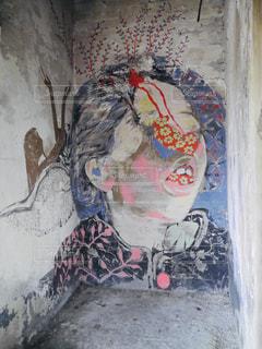 落書きで覆われた壁の写真・画像素材[2230368]