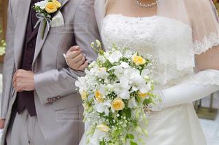 ブーケとウェディング ドレスとタキシードの写真・画像素材[1232152]