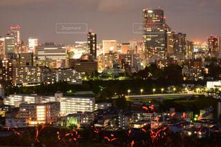 夜の街の景色の写真・画像素材[1680114]