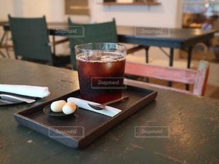 木製テーブルの写真・画像素材[1411464]