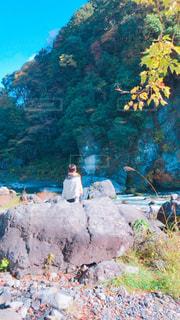 秋,紅葉,川,秋晴れ,渓谷,女の人,多摩川,秋空,お出かけ,紅葉狩り,御岳渓谷
