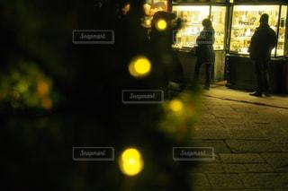 夜通り都市の写真・画像素材[1215160]