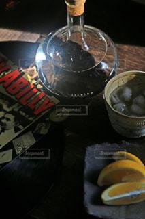 いいちこフラスコボトルと音楽で乾杯の写真・画像素材[1265227]