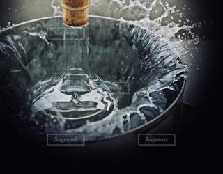 いいちこフラスコボトルを冷やすの写真・画像素材[1273293]